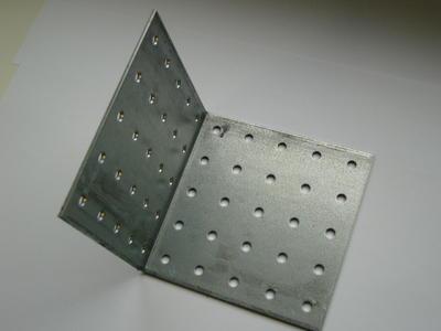 Úhelník hřebíkový 100x100x100x3mm - 2